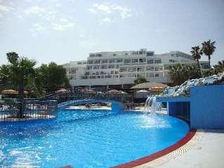 отель Doreta Beach Resort & Spa 4*
