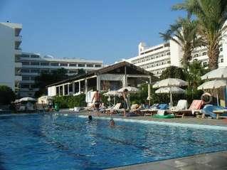 отель Adams Beach 5*