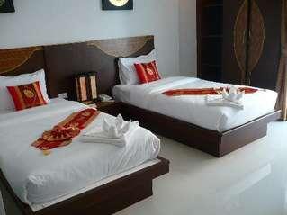 отель Issara Resort 3*