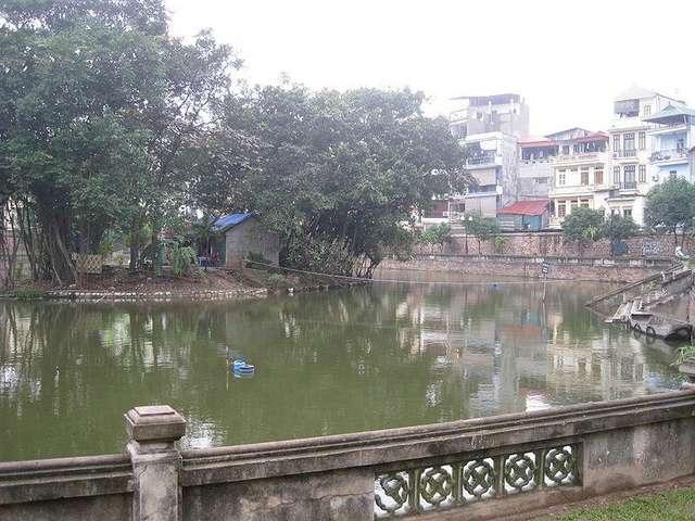 Озеро Литературы, окружающее храмовый комплекс