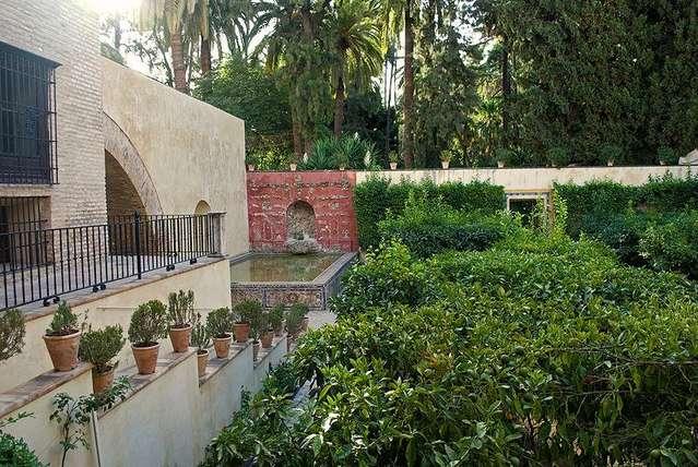 Цветочный сад в Севильском Алькасаре