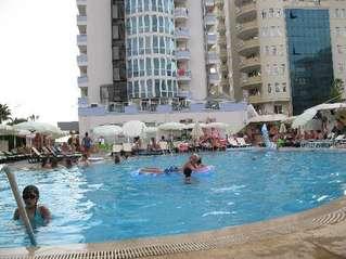 отель Merlin Beach Hotel 4*