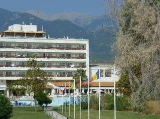 отель Olympian Bay 4*