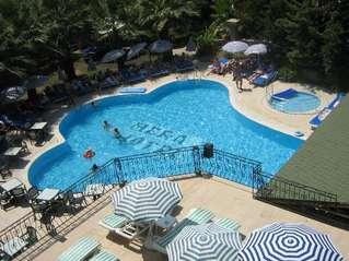 отель Hera Beach 3*