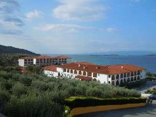 отель Akrathos 3*