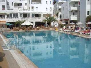 отель Gumbet Holiday Beach Resort 3*