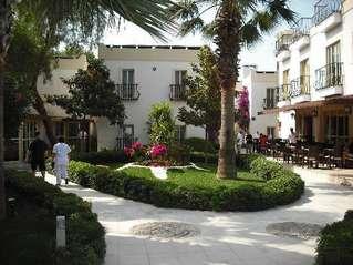 отель Garden Life 3*