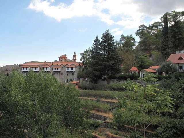 Монастырь в Махерас