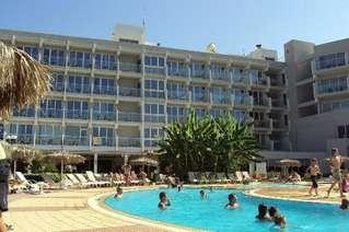 отель Pernera 3*