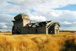 Никольская церковь в деревне Унежма