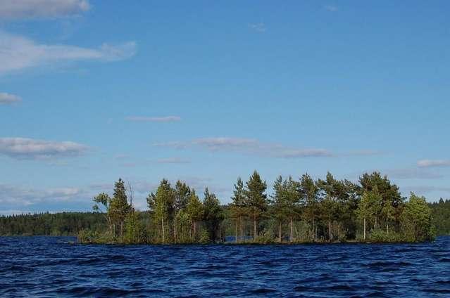 Маленькие островки рядом с Валаамом