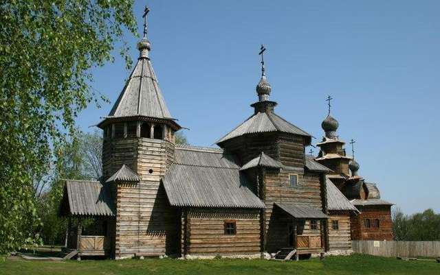 Воскресенская деревянная церковь