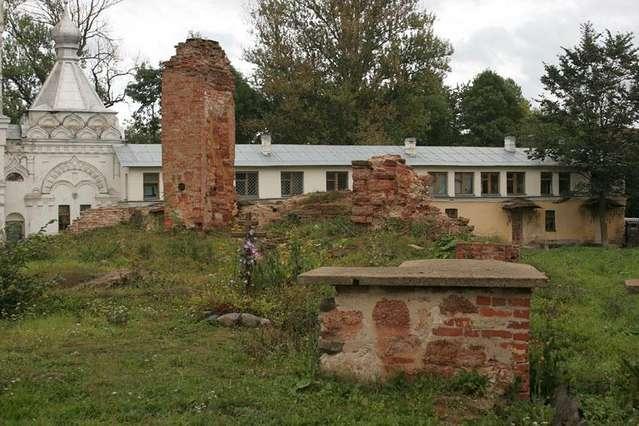 Руины Рождественского собора