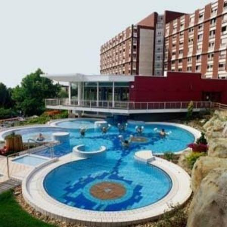 Отель Danubius Health Spa Resort Aqua 4*