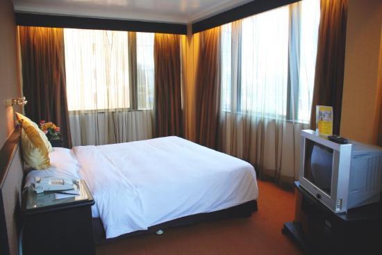 Отель Ramada Hotel Kowloon 3*