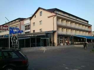 отель Hotel Macola 3*