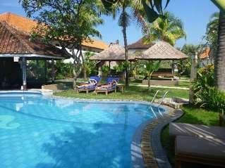 отель Maharta Beach 3*