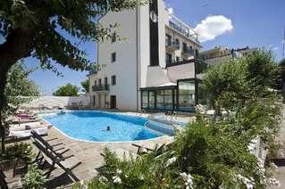 отель Ferretti Beach 4*
