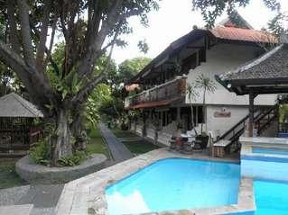 отель Taman Ayu Cottage 3*