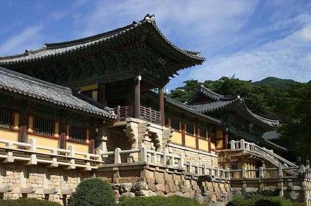 Храмовый комплекс Пульгукса в Южной Корее