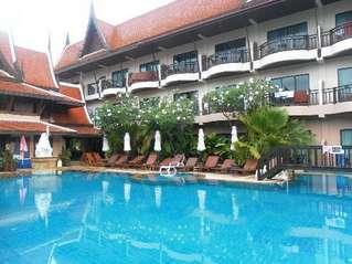 отель Nipa Resort Hotel 4*