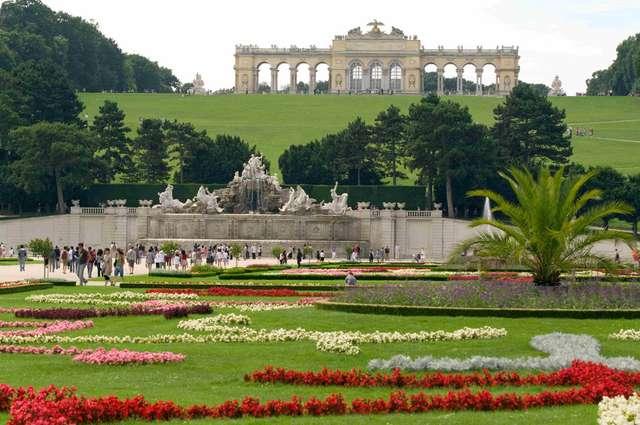 Парковый дворца Шенбрунн, Вена