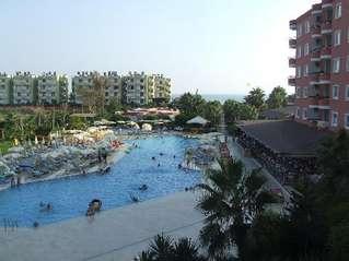 отель Royal Garden Hotel 4*