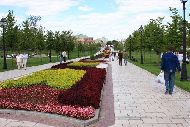 Цветочная аллея в Царицыно
