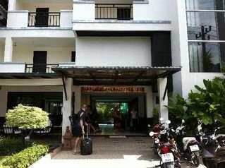 отель Patong Paradee 3*