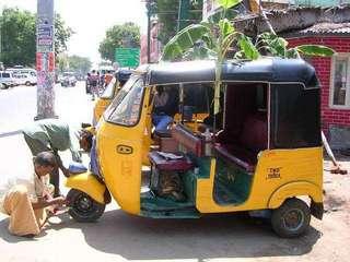 Авторикши - популярный транспорт в Индии