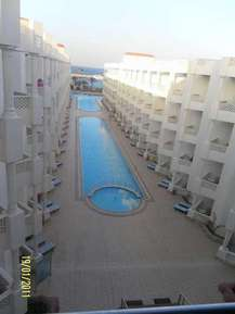 Внутренний бассейн отеля