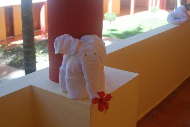 Этот слоник из полотенец понравился мне больше всего