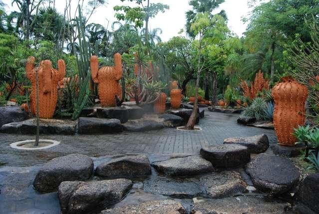 Глиняные кактусы