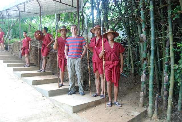 Переодетые вояки из тайской армии
