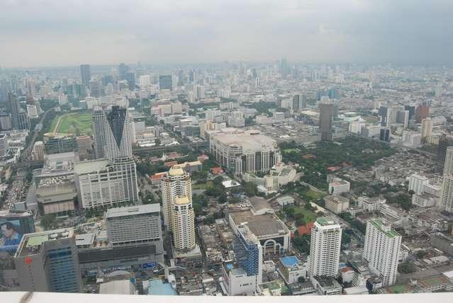 Вид со смотровой площадки отеля Baiyoke Sky
