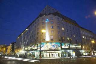 отель Hilton Old Town 4*