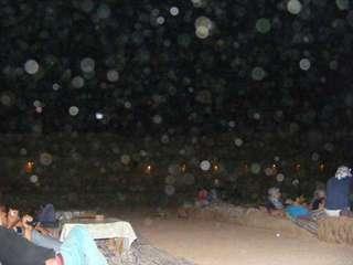вот этой пылью мы дышали во время бедуинского ужина
