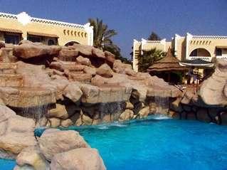 отель Club El Faraana 4*