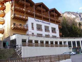 отель Stella Montis hotel Campitello di Fassa 3*