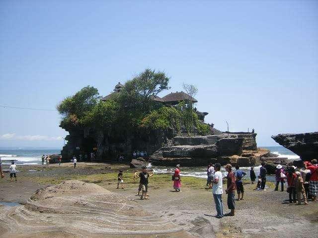 Храмы Бали. Храм на воде.