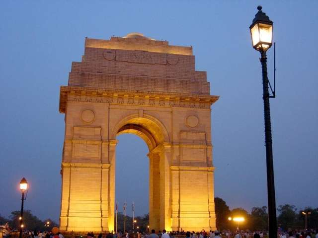 the top monuments of india India's rich history has endowed it with several specimens in the form of monuments these monuments in india reflect the rich past and culture in the nation.