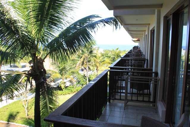 Вид с балкона New Kuta Condotel by Lexington 3*