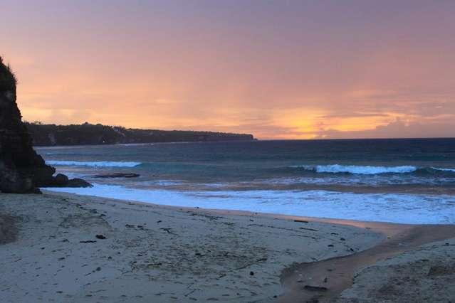 Закат на пляже Dreamland (New Kuta beach)