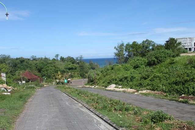 Дорога от отеля на пляж Dreamland