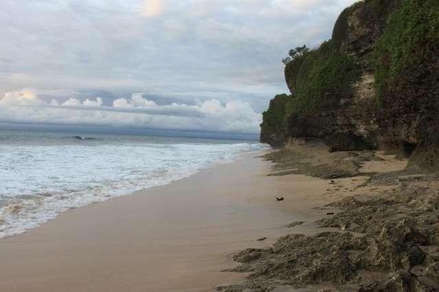 Пляж Dreamland (New Kuta beach)