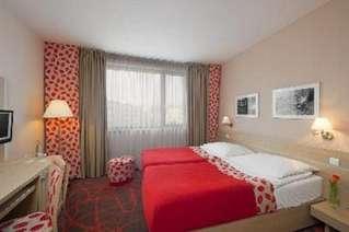 отель Iris Hotel 4*