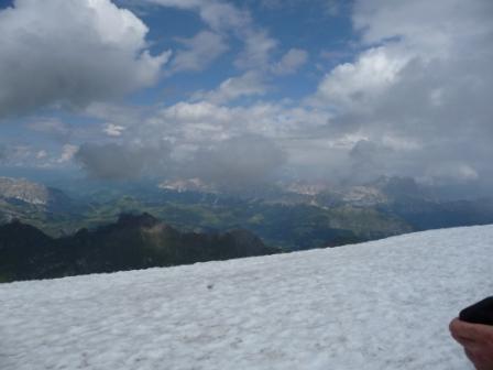 Ледник в конце июня