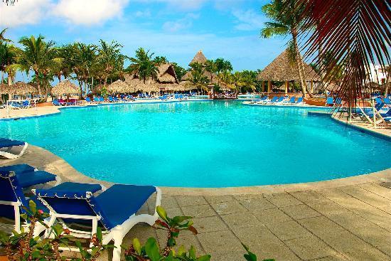 Отель Be Live Canoa 4*