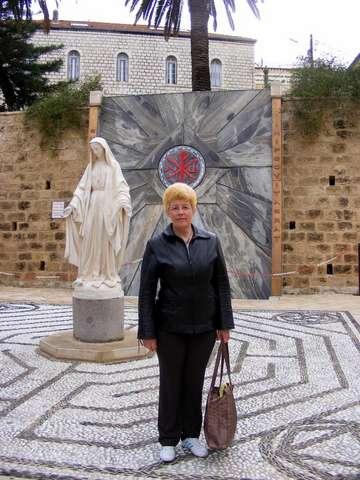Во дворе Храма Благовещения