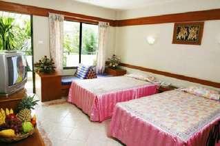 отель YK Patong Resort 3*